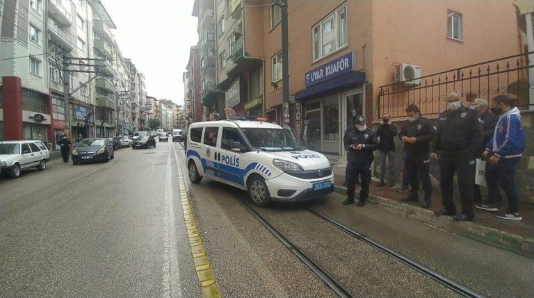 Bursa'da anonsa giden polis ekipleri kaza yaptı